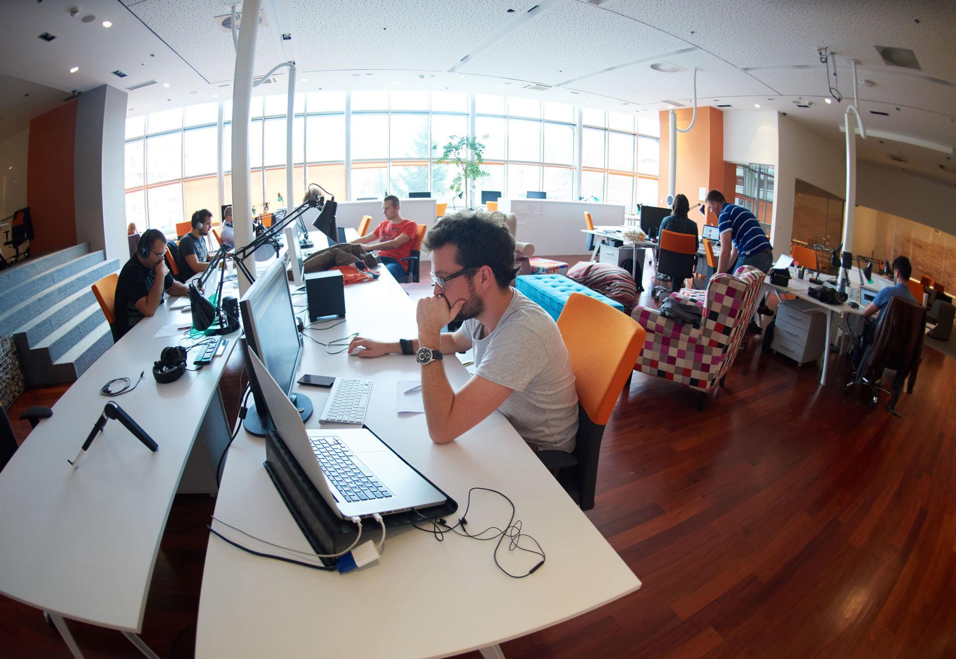 como ahorrar espacio en una oficina